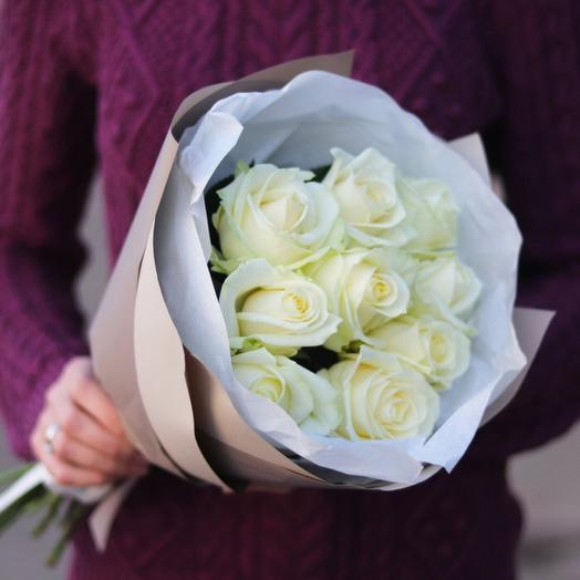 Монобукет из 9 белоснежных роз
