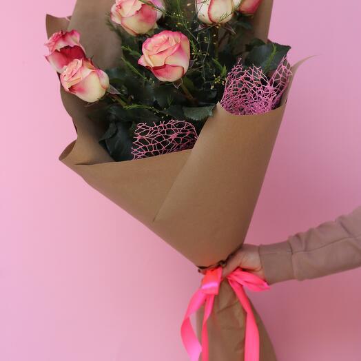7 троянд кабарет 60см в упаковці