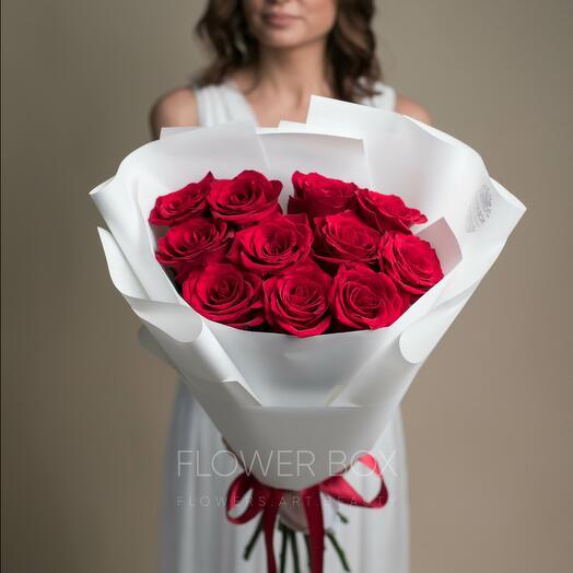 Букет 11 алых роз