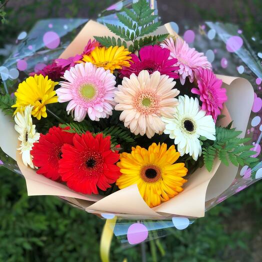 Bouquet of 15 gerberas with greenery