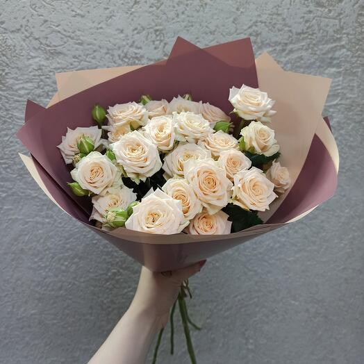 Букет красивых роз 60 см