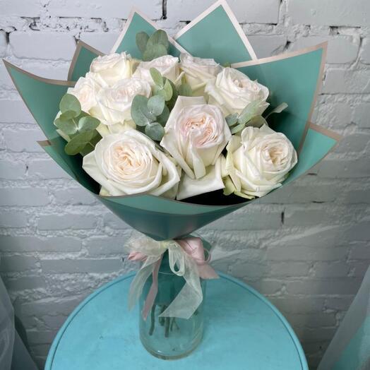 9 роз White Ohara