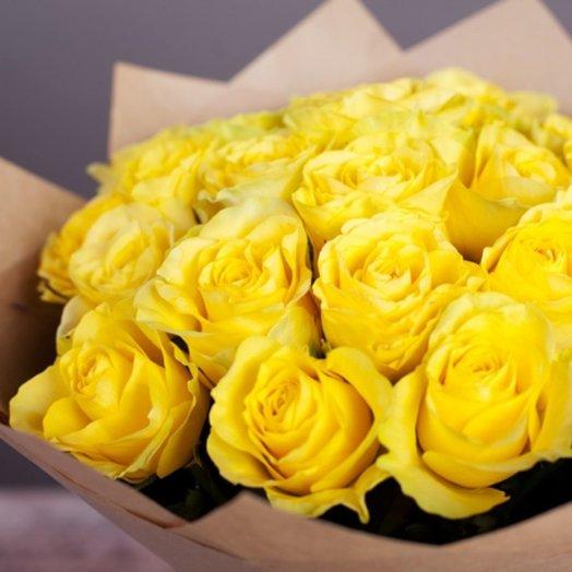 11 желтых роз в крафт упаковке: букеты цветов на заказ Flowwow