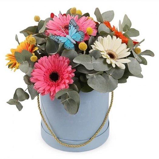 Коробка с герберами и эвкалиптом: букеты цветов на заказ Flowwow