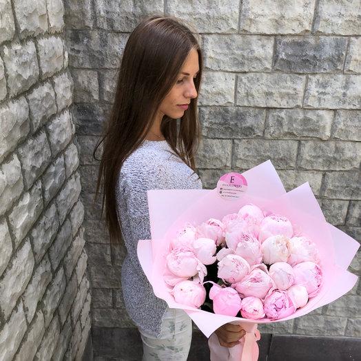 19 отборных пионов: букеты цветов на заказ Flowwow