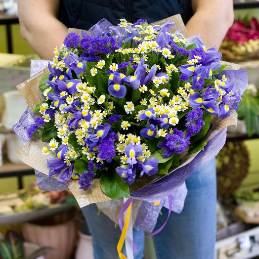 """Букет из ромашек и ирисов """"Летняя прохлада"""": букеты цветов на заказ Flowwow"""