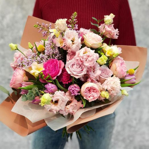 """Красивый букет из роз, сирени и лизиантуса """"Афродита"""""""