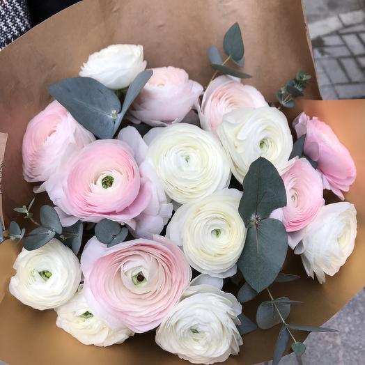 Шикарные ранункулюсы: букеты цветов на заказ Flowwow