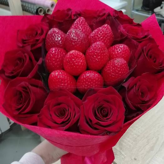 Букет из роз и клубники: букеты цветов на заказ Flowwow