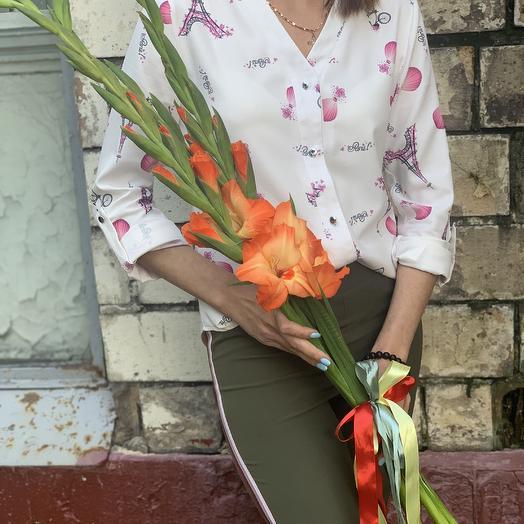 Коралловые гладиолусы к 1 сентября: букеты цветов на заказ Flowwow