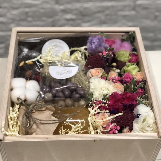 Коробочка счастья: букеты цветов на заказ Flowwow