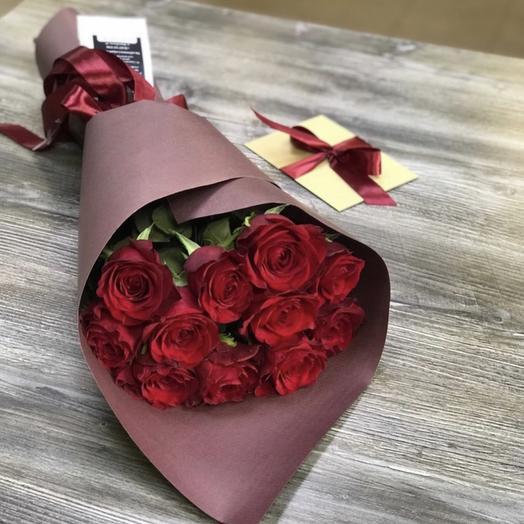 11 роз в стильной упаковке: букеты цветов на заказ Flowwow