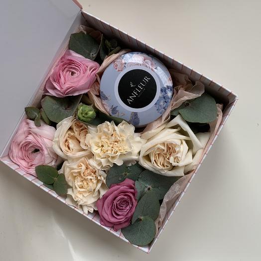 Бокс с живыми цветами и свечой: букеты цветов на заказ Flowwow