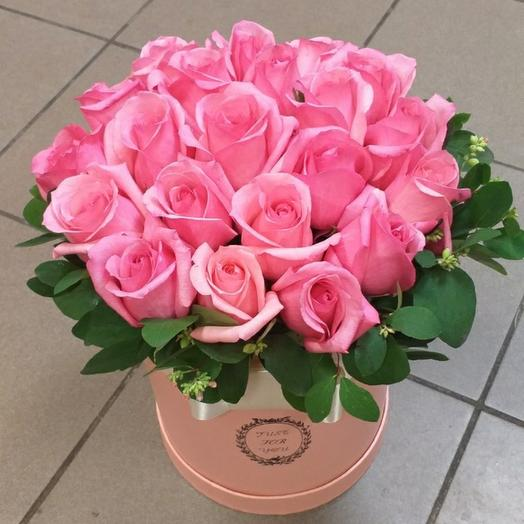 Шляпная коробка из 21 розы