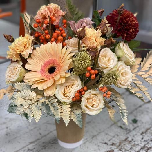 Цветы в коробке Крем Брюле