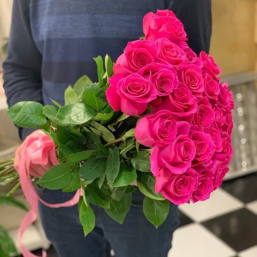 Розы малиновые 25
