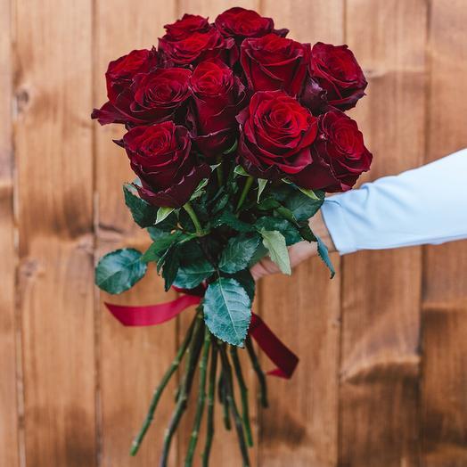11 шикарных красных роз