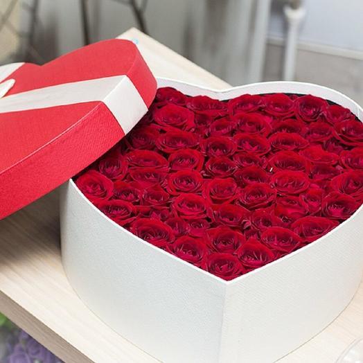 51 красная роза в виде сердце