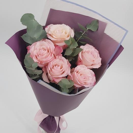 Джессика: 5 роз с эвкалиптом