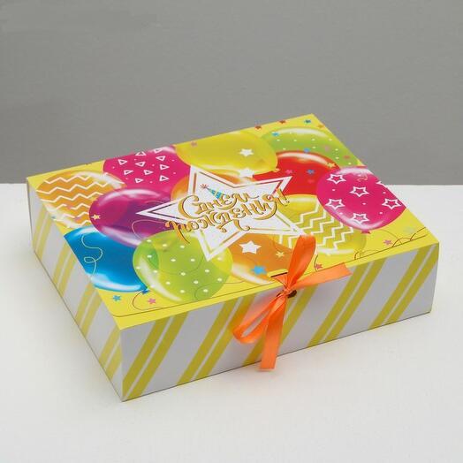 Коробка подарочная «С Днём Рождения!», 31 х 24,5 х 9 см