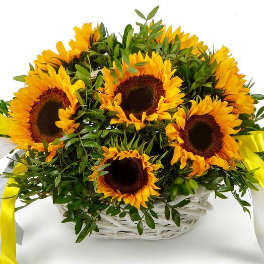 Цветы в корзине Солнечное лето