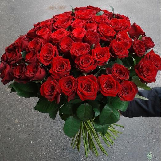 Букет из 67 красных роз 60 см: букеты цветов на заказ Flowwow