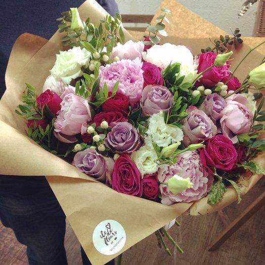 Розовая страсть: букеты цветов на заказ Flowwow