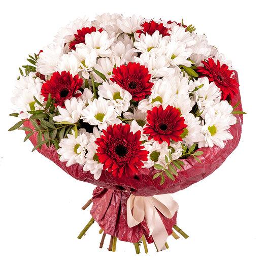 Букет красных гербер с хризантемой.: букеты цветов на заказ Flowwow
