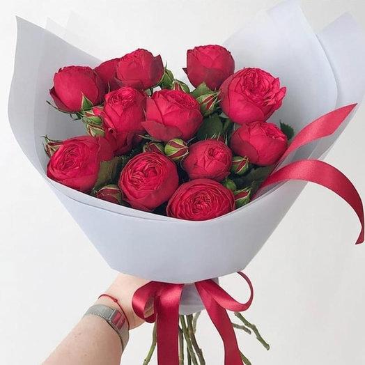Букет из пионовидных роз РедПиано: букеты цветов на заказ Flowwow