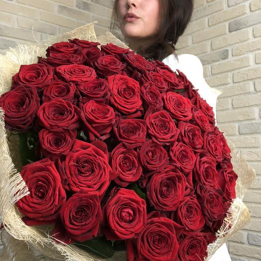 Бархатные розы в сизали