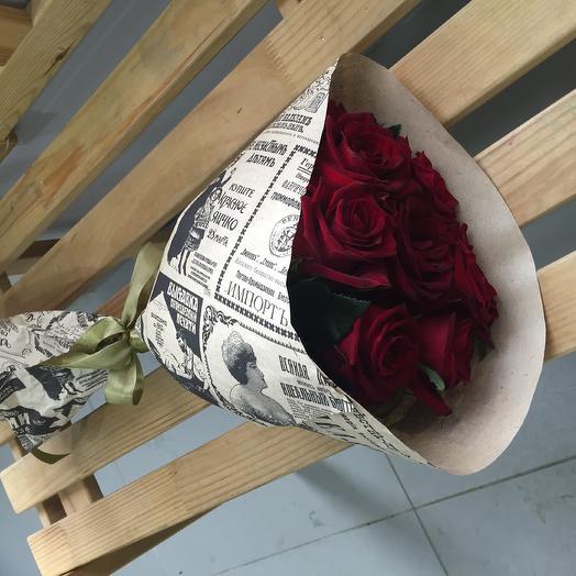 Роза бордо в крафте