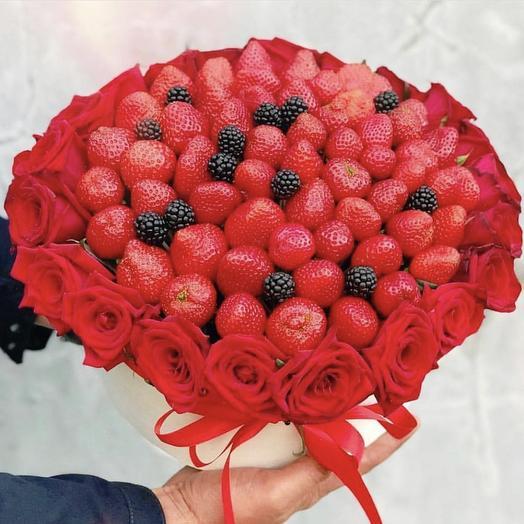 Клубничный букетик «Шпион»: букеты цветов на заказ Flowwow