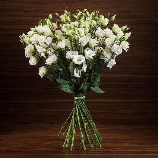 Белоснежная эустома: букеты цветов на заказ Flowwow