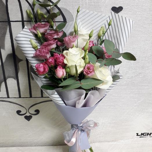 """Букет с лизиантусом и розами """"Fairy tale"""": букеты цветов на заказ Flowwow"""