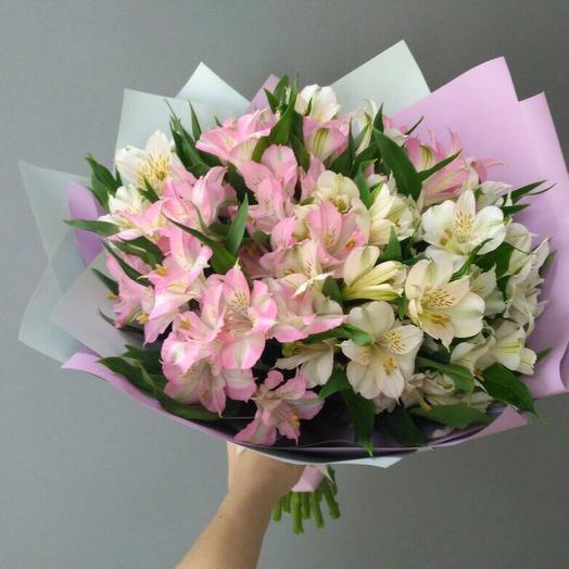 A bouquet of delicate alstromeria