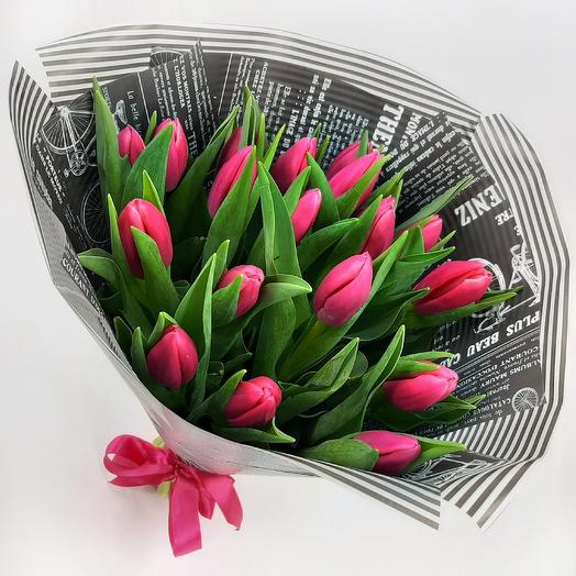 Малиновый свет: 19 тюльпанов: букеты цветов на заказ Flowwow
