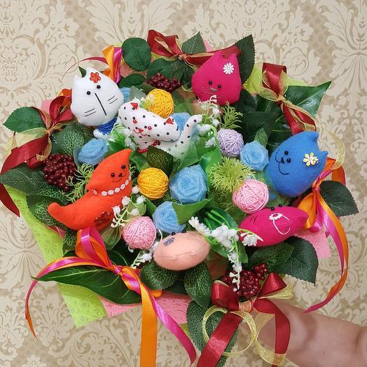 Букет с котиками: букеты цветов на заказ Flowwow