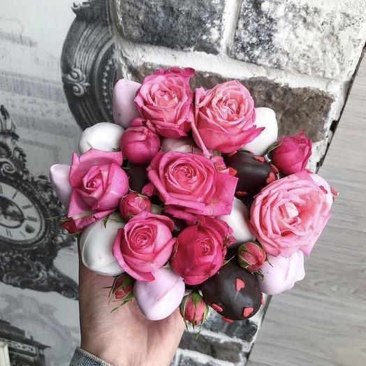 Клубничный букет «мир чудес»: букеты цветов на заказ Flowwow