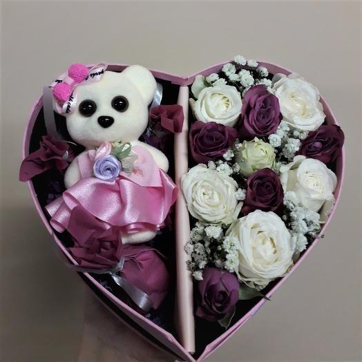 Бокс 3-в-1 (цветы-игрушка-конфеты): букеты цветов на заказ Flowwow