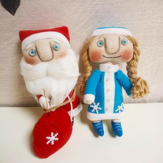 Дед Мороз и Снегурочка (ручная работа): букеты цветов на заказ Flowwow