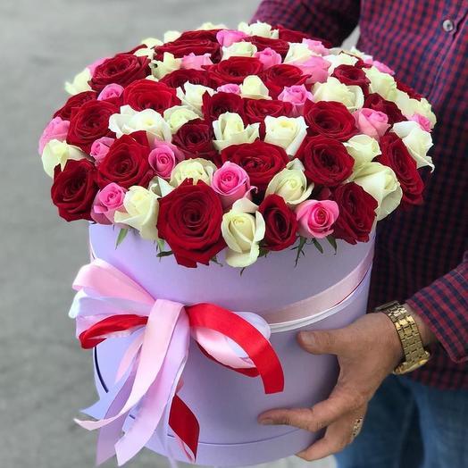 51 роза микс (Россия) 40 см в коробке: букеты цветов на заказ Flowwow