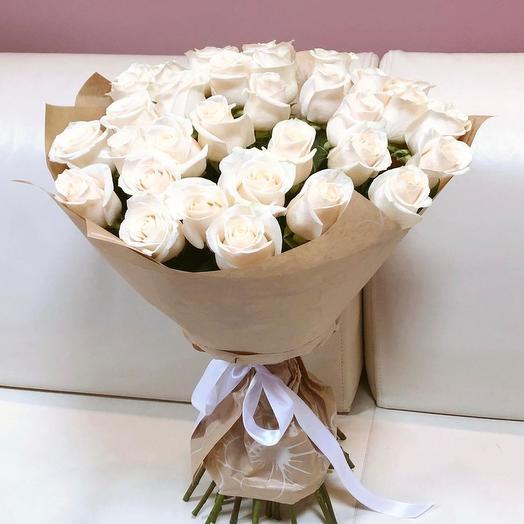 35 белых роз Эквадор: букеты цветов на заказ Flowwow