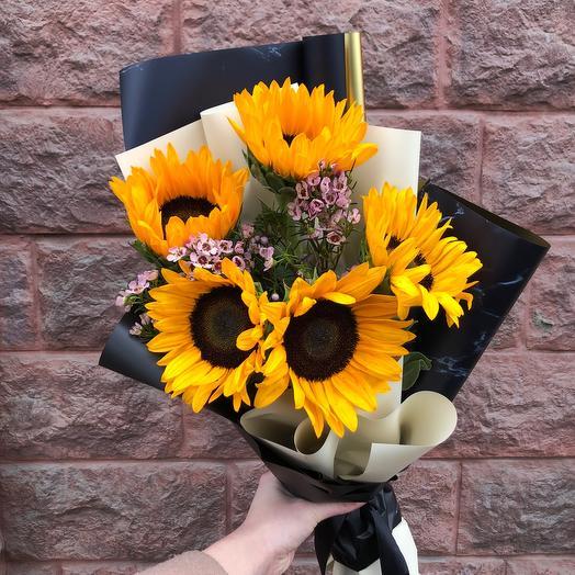 Моно гелиантусы: букеты цветов на заказ Flowwow
