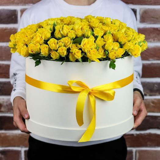Шляпная коробка XXL из 101 жёлтой кустовой розы. N842