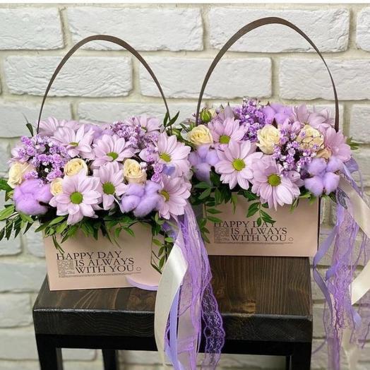 Цветы в коробке с круживом