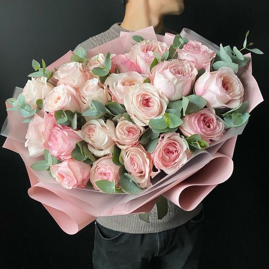 25 пионовидных Роз с эвкалиптом