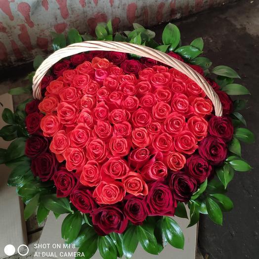 Корзина с сердце роза