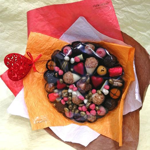 Букет из конфет ручной работы FRENCH KISS SPB 270102