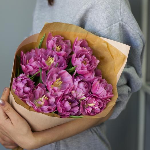 Букет из 13 пионовидных тюльпанов