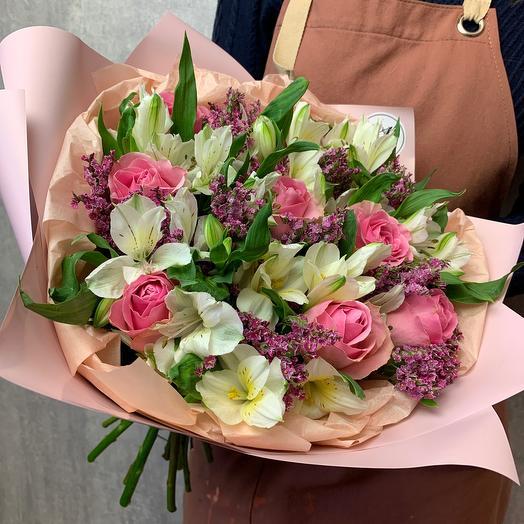 Авторский букет с альстромерией и розой